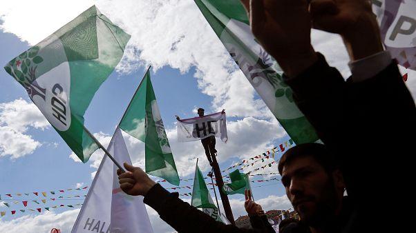 YSK'nın KHK kararından sonra 9 belediye başkanlığının HDP'den AK Parti'ye geçmesi bekleniyor