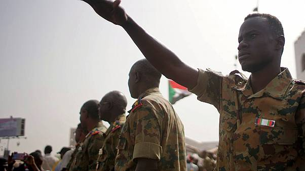 ضباط من الجيش السوداني