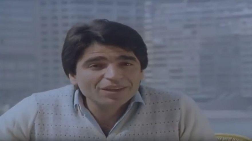 تمثيل وغناء وإلحاد وتدين وحرب.. رحلة الفنان الكبير الراحل محمود الجندي
