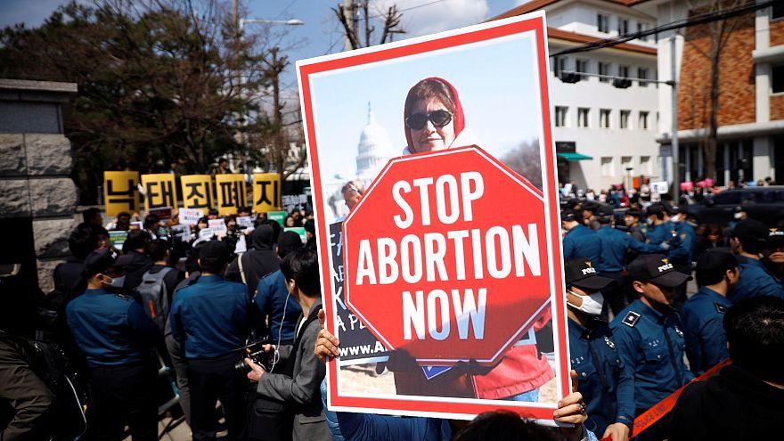 Teksas'ta kürtaj yapan kadın ve doktorun ölümle cezalandırılmasını öngören yasa teklifi