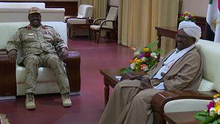 Letartóztatták Omar el-Besír szudáni elnököt