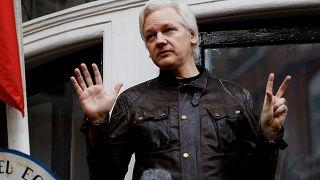 Британская полиция задержала Ассанжа
