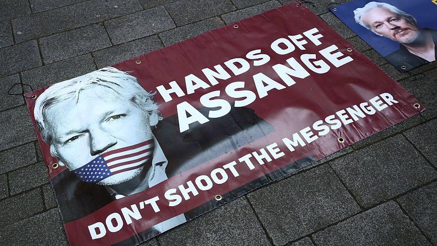 واکنشها به بازداشت آسانژ؛ از «روز سیاه آزادی رسانهها» تا «بزرگترین خائن آمریکای لاتین»