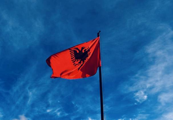 Bahtiyar Küçük, Euronews, Arnavutluk