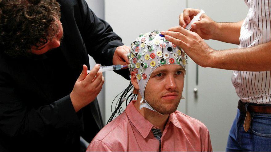 تحریک الکترومغناطیسی مغز، حافظه افراد سالمند را بهبود میبخشد