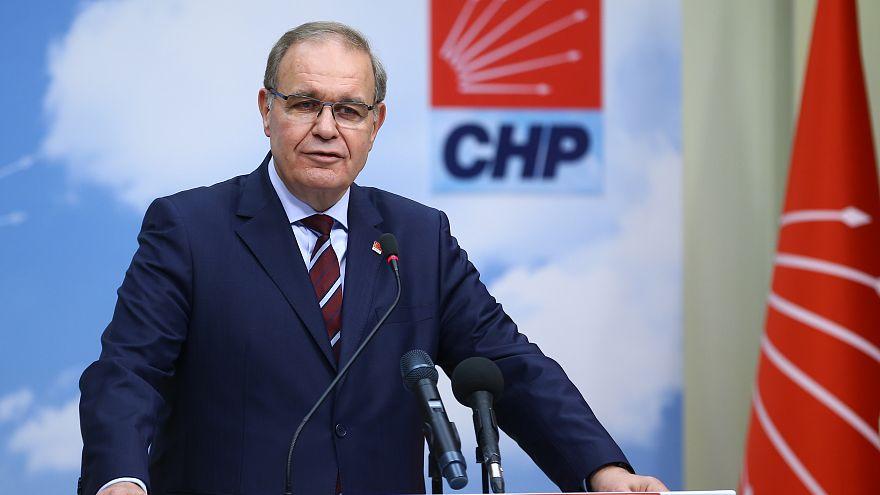 CHP'den erteleme kararına tepki: Kumpasın tamamlanması için zaman kazandırılıyor