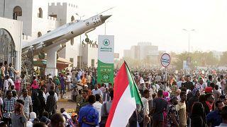 «Башир свергнут — революция продолжается»