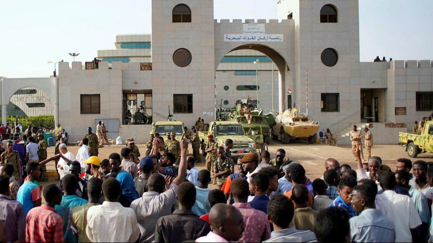 تحولات سودان؛ وعده تشکیل دولت غیر نظامی و مخالفت با استرداد عمر البشیر