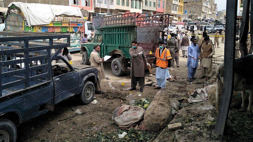 16 قتيلا على الأقل في انفجار قنبلة استهدف سوقا في مدينة كويتا جنوب غرب باكستان