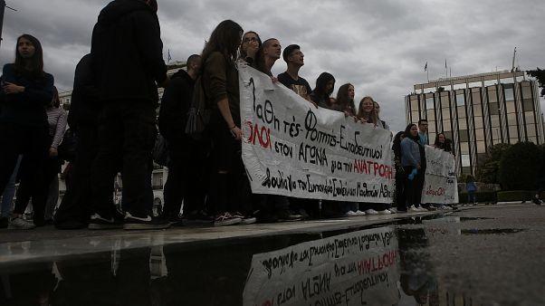 Αθήνα: Πορεία εκπαιδευτικών και μαθητών