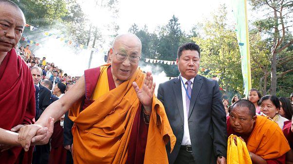 Hindistan'da hastaneye kaldırılan Dalay Lama, taburcu edildi