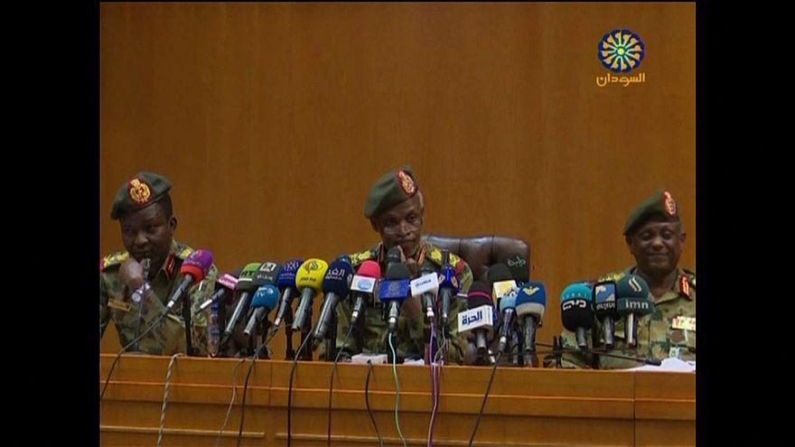 Sudan'dan askeri darbe sonrası Geçiş Konseyi Başkanı olan Avad bin Avf istifa etti