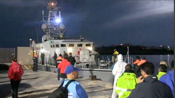 Migranti, dubbi sulle nazionalità dei 70 sbarcati a Lampedusa