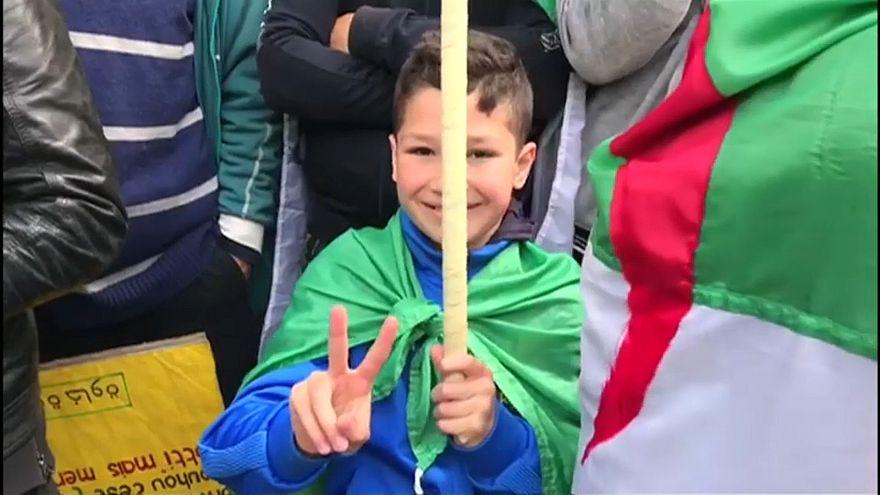 Dühösek az algériai tüntetők, nem elégedettek a változásokkal