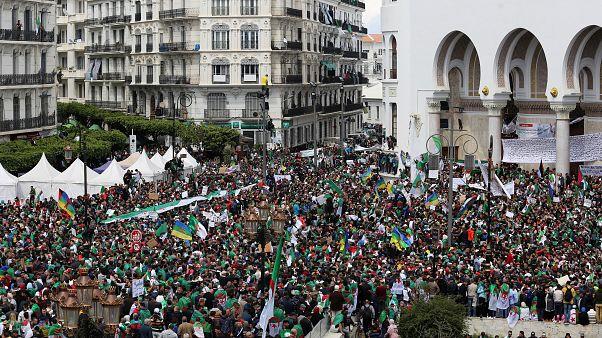Протестная пятница в Алжире
