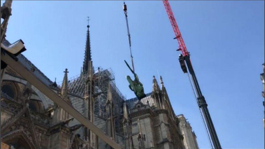 """Parigi: Notre-Dame e le statue """"volanti"""""""