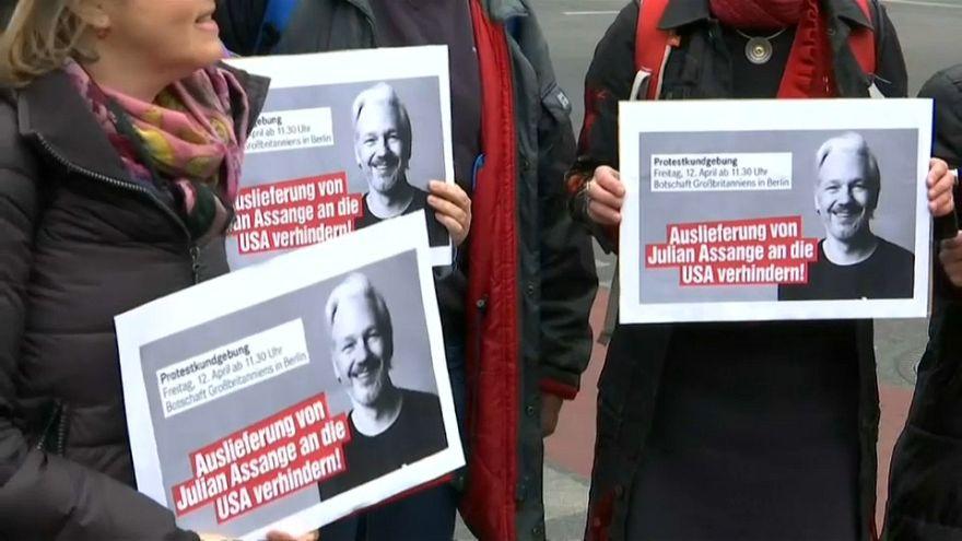 50.000 unterzeichnen Petition für Assange - Demo in Berlin