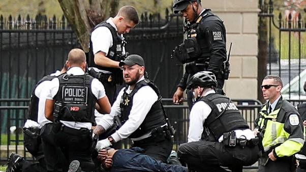 Man sets himself on fire outside White House, US Secret Service says