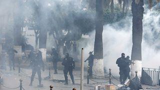 Argelinos exigem saída de Bensalah