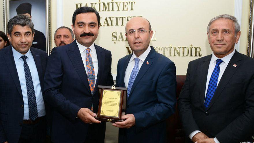 Kırşehir'de Selahattin Ekicioğlu mazbatasını aldı
