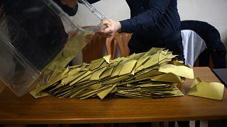 Maltepe'de oyların yarısından fazlası sayıldı