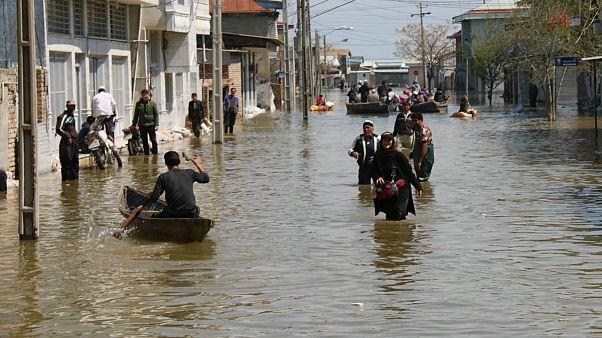 پیشروی سیل در ایران؛ آماده باش در بوشهر و هرمزگان