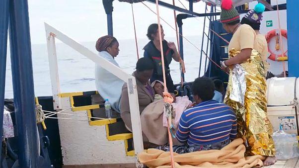 Мигранты с Sea-eye высаживаются на Мальте
