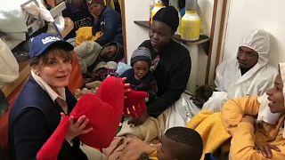 """Nach Verträgen mit 4 EU-Staaten: """"Alan Kurdi""""-Flüchtlinge dürfen in Malta an Land"""
