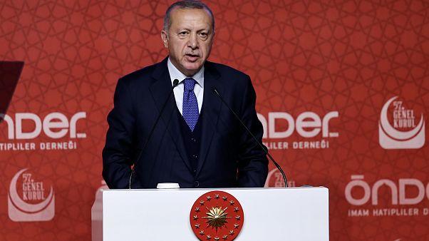 Erdoğan: Omuz omuza olmamız gerekirken farklı mecralara girenler var