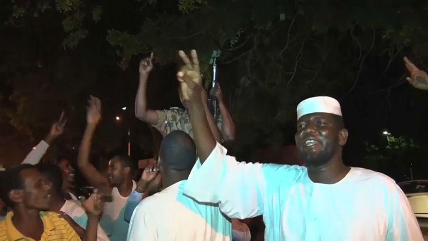 Neuer Übergangsstaatschef: Demonstranten misstrauisch