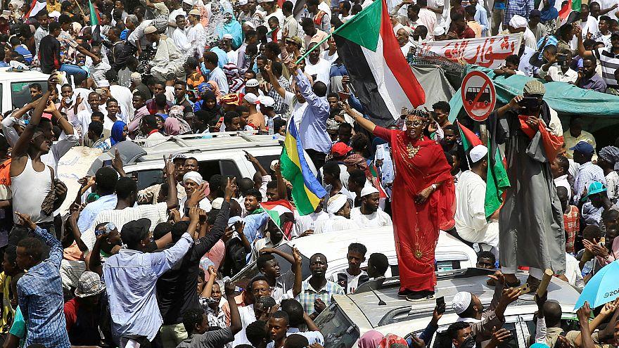 صورة من مظاهرات يوم الجمعة في الخرطوم
