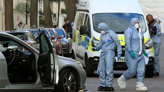 Polícia dispara contra carro em Londres