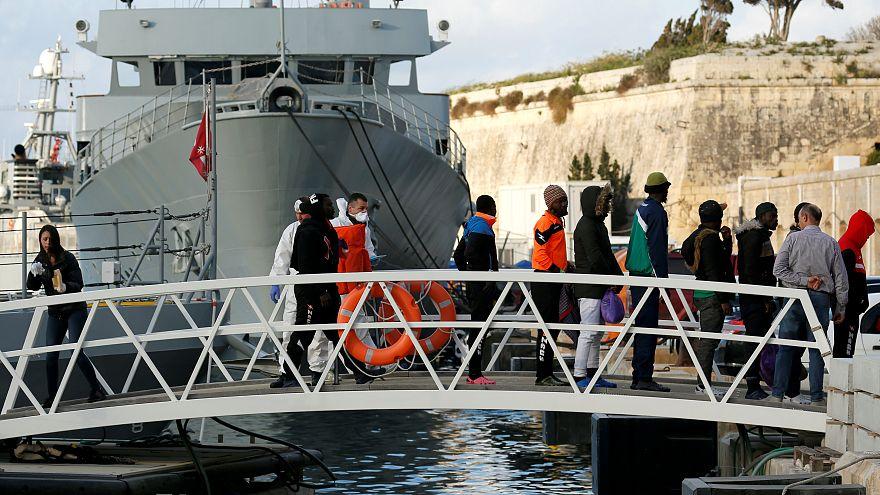 Migrantes do navio Alan Kurdi já pisaram terra