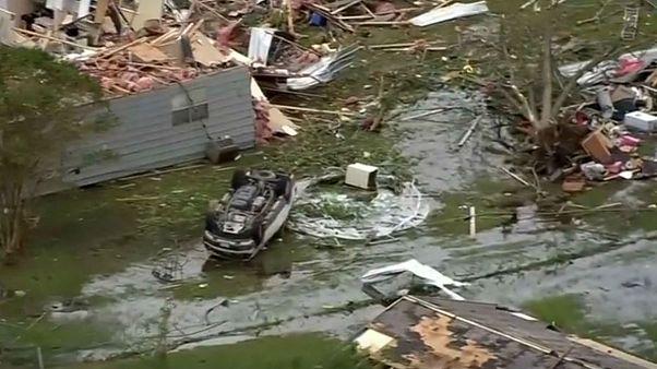 Tornado arrasa cidade texana de Franklin