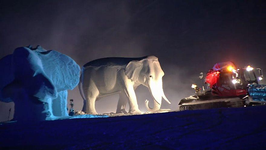 500 Mitwirkende: Hannibals Alpenüberquerung als Gletscherschauspiel