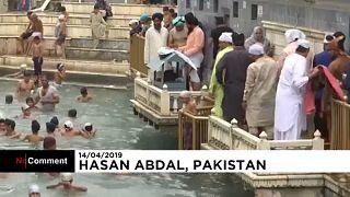 Indische Sikh feiern in Pakistan