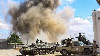 قوات حكومة الوفاق تسقط طائرة حربية لقوات المشير حفتر جنوب طرابلس