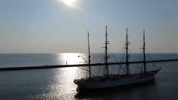 Nemkívánatos orosz hajó