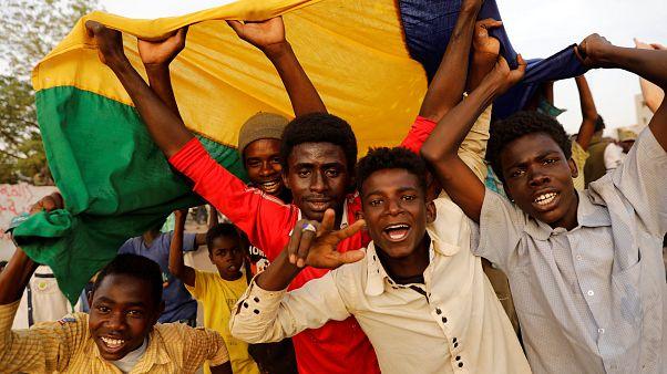 Sudan Askeri Geçiş Konseyi: Beşir'in partisi geçiş hükümetinde yer almayacak