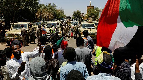 درخواست معترضان سودانی برای انحلال کامل شورای نظامی انتقالی