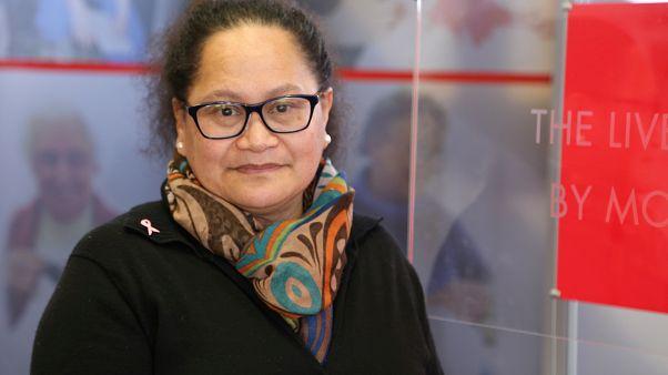 الممرضة النيوزيلندية لويزا أكافي التي كانت تعمل مع الصليب الأحمر