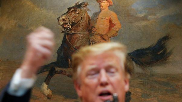 Trump 2020 seçim kampanyasında Demokrat rakiplerine fark attı