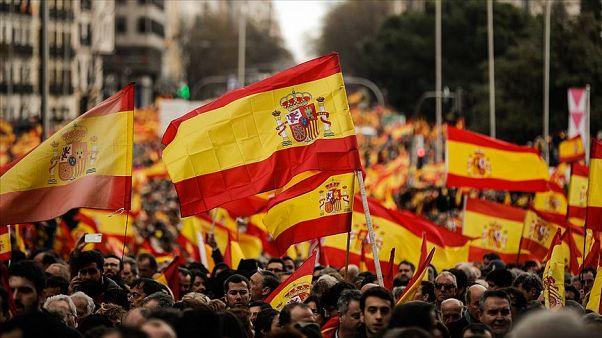 İspanya yükselen aşırı sağın gölgesinde sandığa gidiyor: Gözler kararsız seçmenin tercihinde