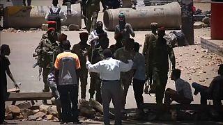 Teljes hatalmi és politikai elitváltást követelnek a szudáni tüntetők