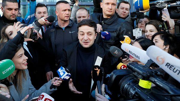 Wolodymyr Selenskyj vor Journalisten