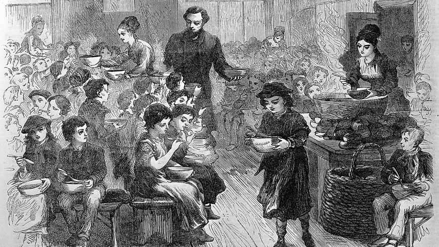 """Regno Unito, povertà a scuola """"come ai tempi di Dickens"""": bambini a digiuno che smettono di imparare"""