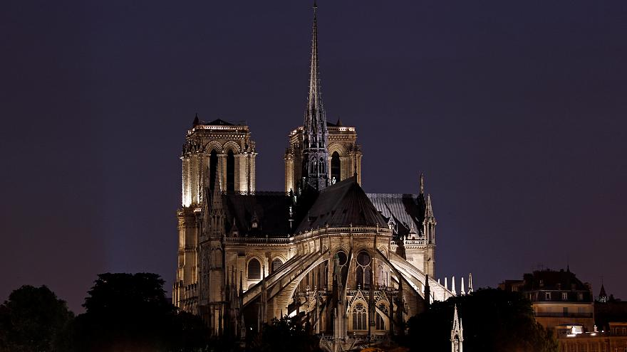 لماذا تعد كاتدرائية نوتردام أحد اهم المعالم الأثرية التاريخية؟