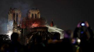 Notre Dame yangınına neden havadan müdahale edilmedi?