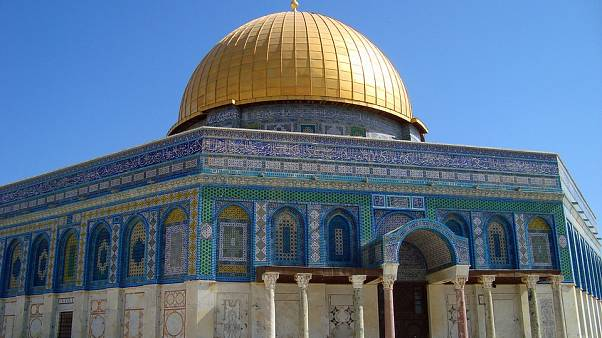 وكالة الأنباء الفلسطينية: السيطرة وإخماد حريق نشب على سطح المسجد الأقصى في القدس