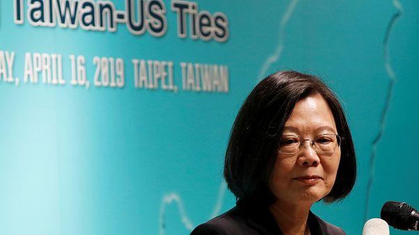 الرئيسة التايوانية تؤكد أن المناورات العسكرية الصينية لا ترهب بلادها